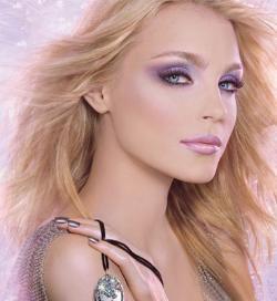 Модный макияж - тенденции сезона весна  2010