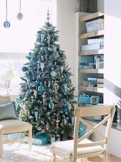 Рождественское украшение в сине-коричневом